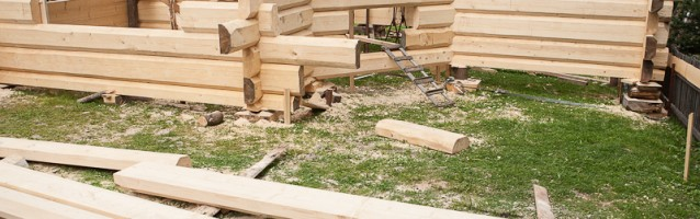 Budowa domu z bali – etap II, montaż części drewnianej